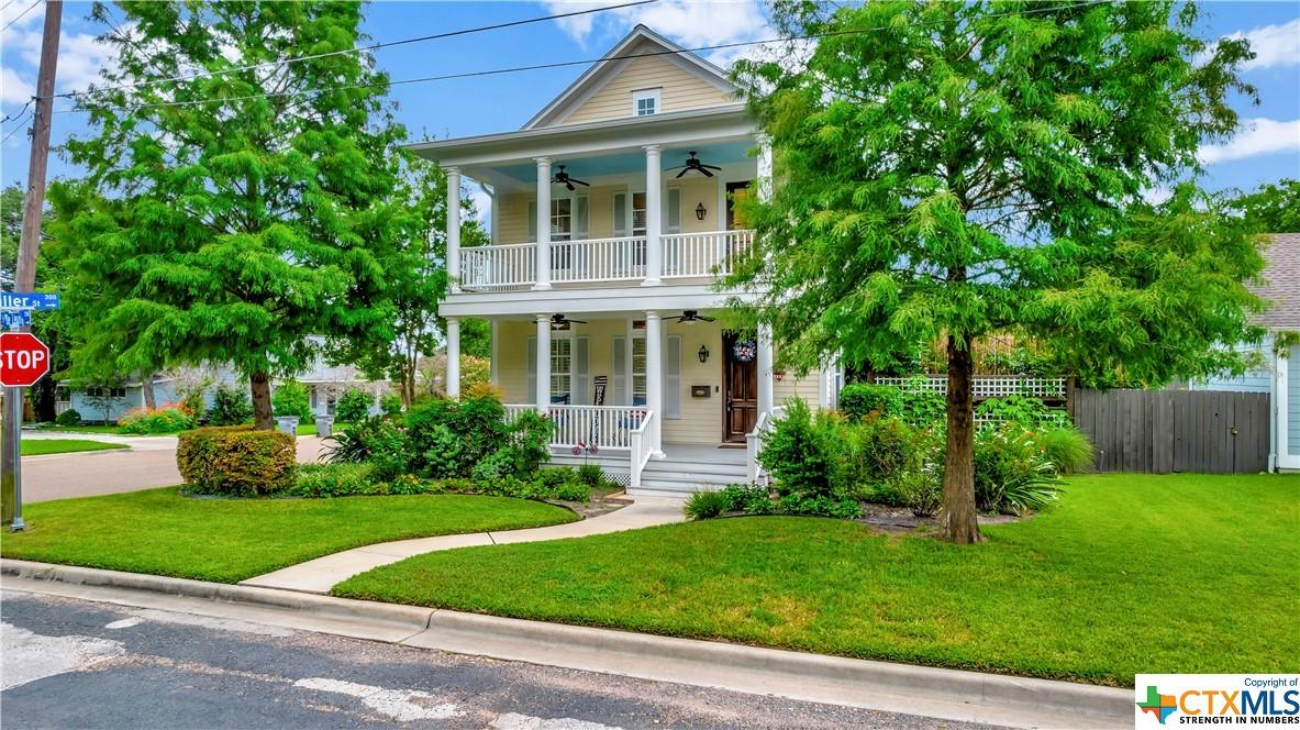 2506 N De Leon Property Photo 1