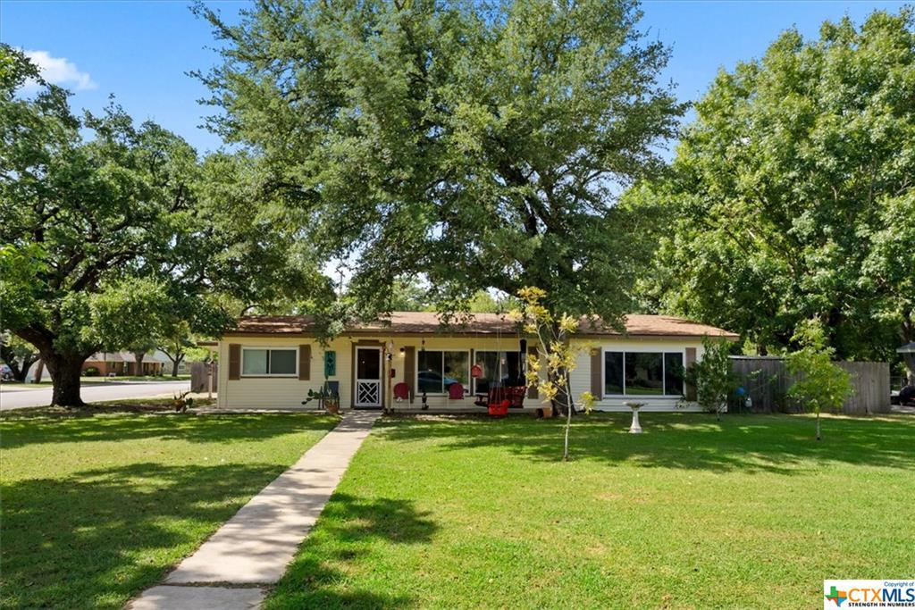 1223 W Live Oak Street Property Photo 1