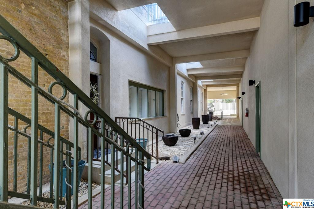 474 W San Antonio Street G Property Picture 4
