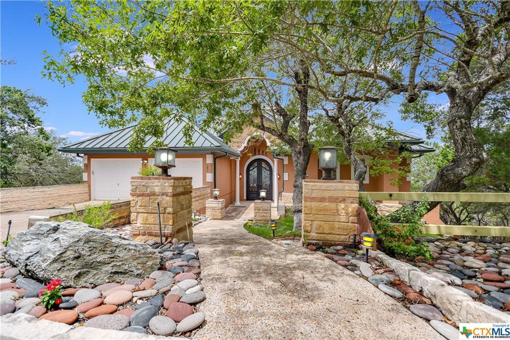 695 Sunset Drive Property Photo 1