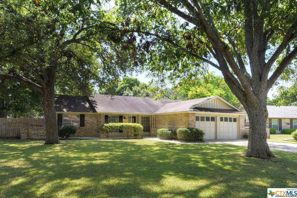 302 Southwick Circle Property Photo 1