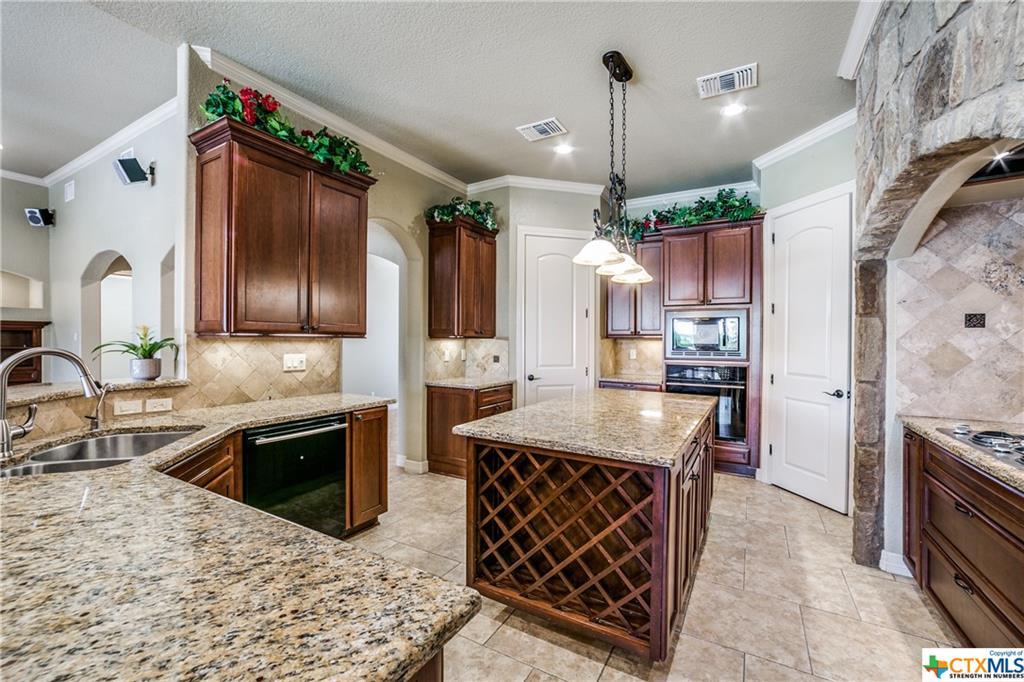 546 Rebecca Creek Road Property Photo 9