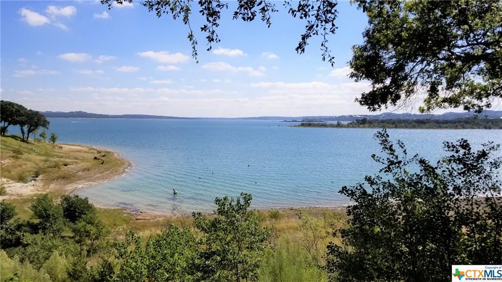 874 Lakebreeze Drive Property Photo 1