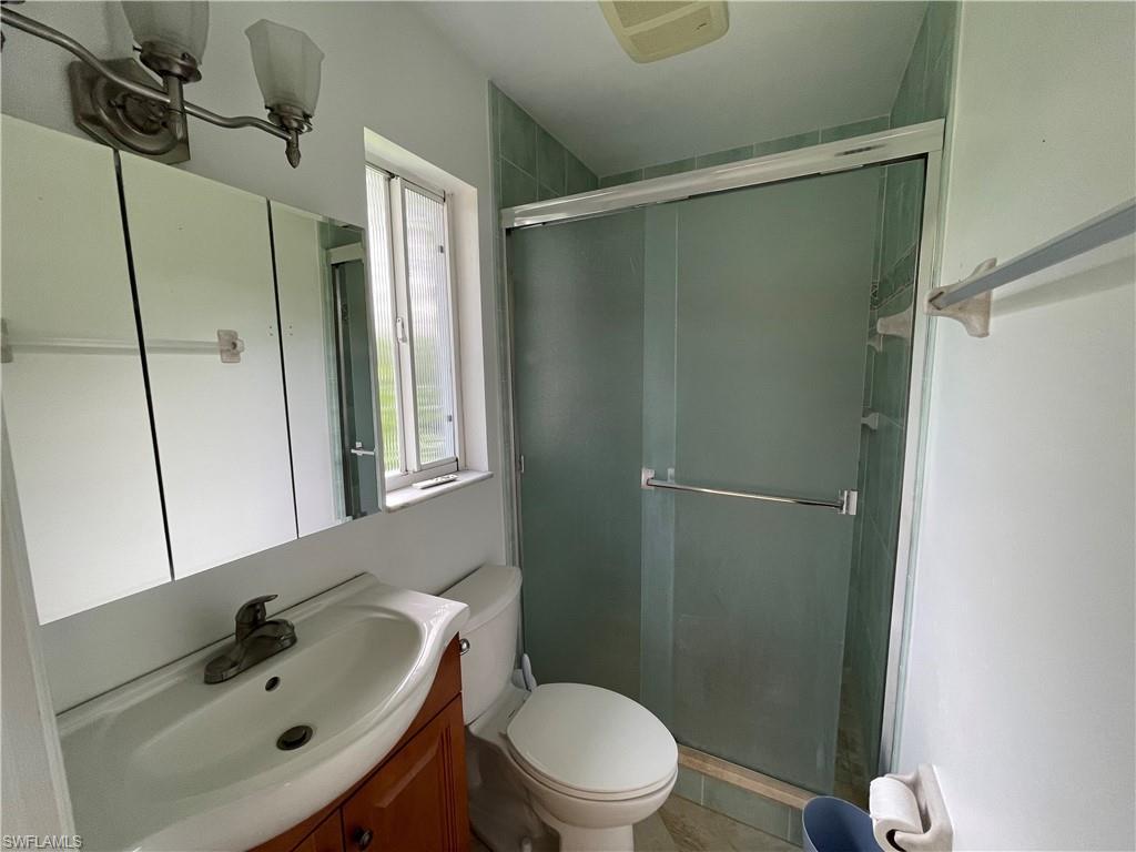 32 Fairview Blvd Property Photo 16
