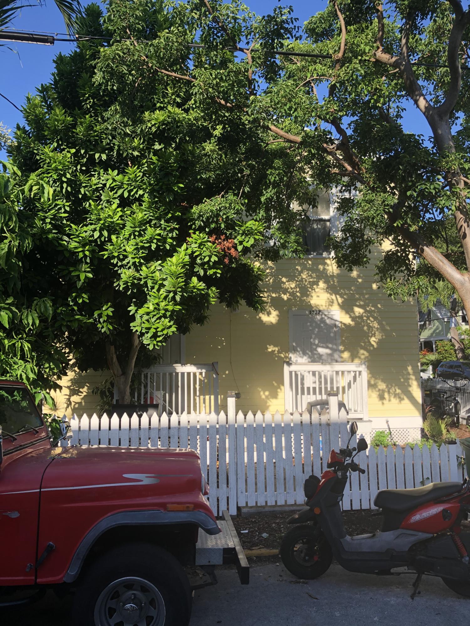1322 Olivia Street Property Photo 4