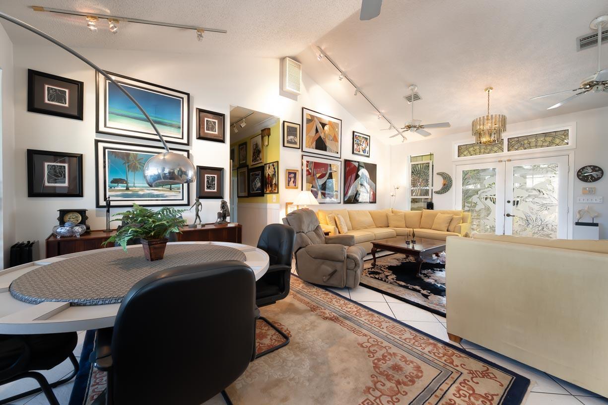 20959 5th Avenue Property Photo 4