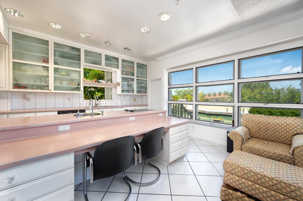 20959 5th Avenue Property Photo 6