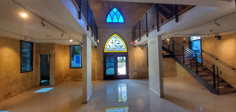 330 Julia Street Street Property Photo 1