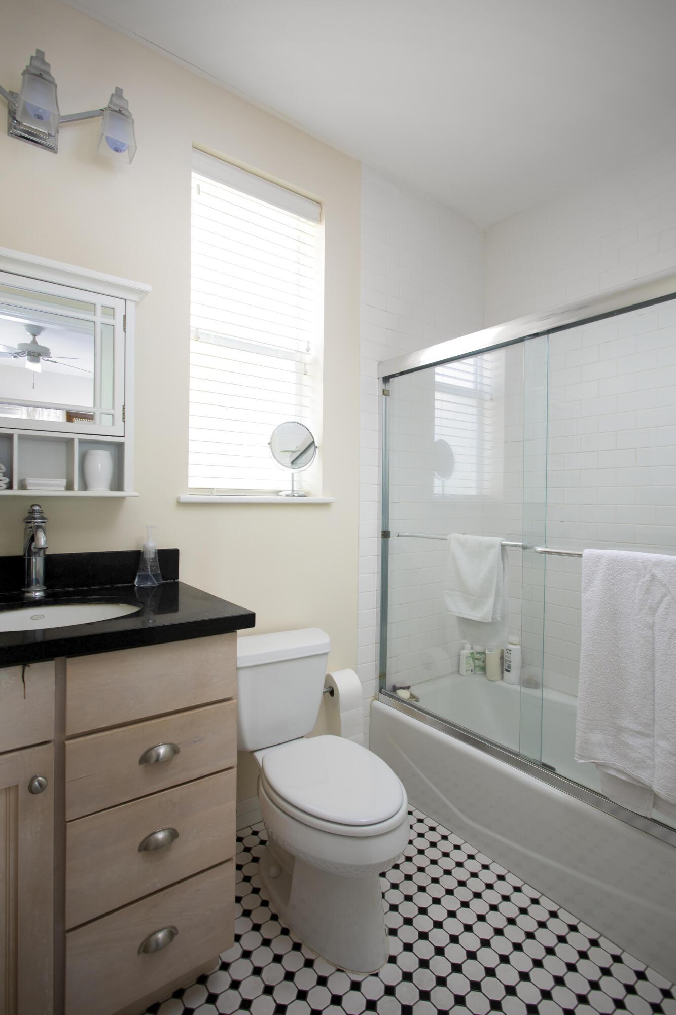 1402 Alberta Street #1-4 Property Photo 16