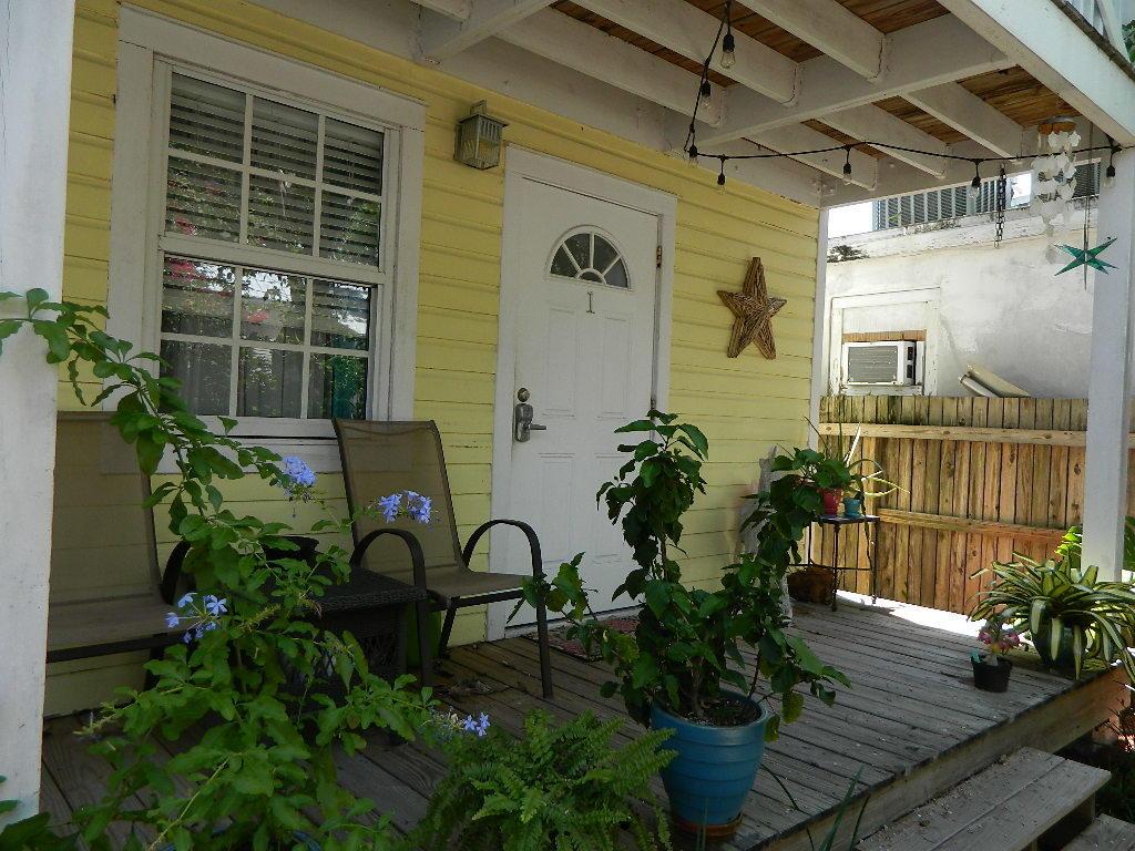 904 Terry Lane #d Property Photo 1