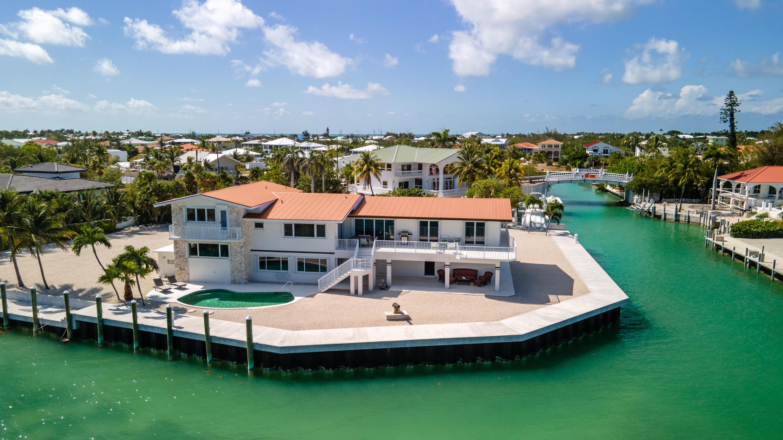 208 W Seaview Circle Property Photo 2