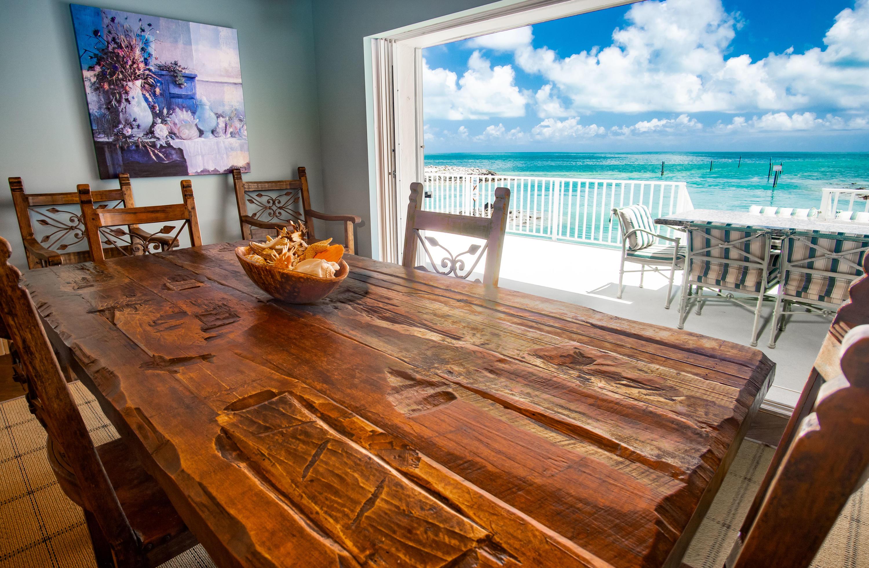 208 W Seaview Circle Property Photo 9