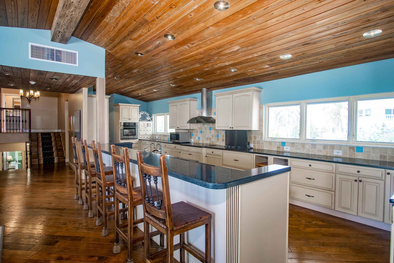 208 W Seaview Circle Property Photo 12