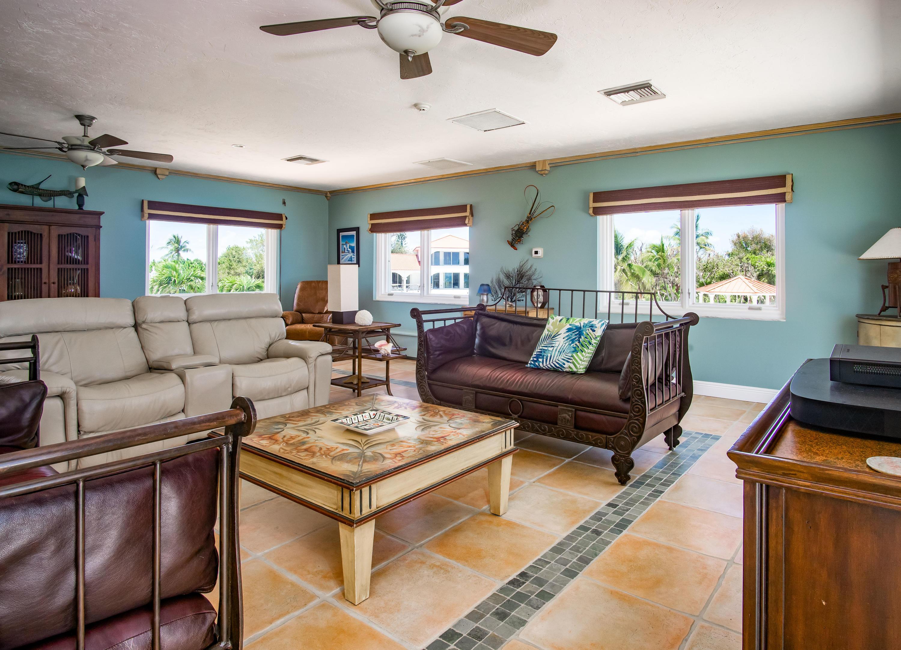 208 W Seaview Circle Property Photo 17