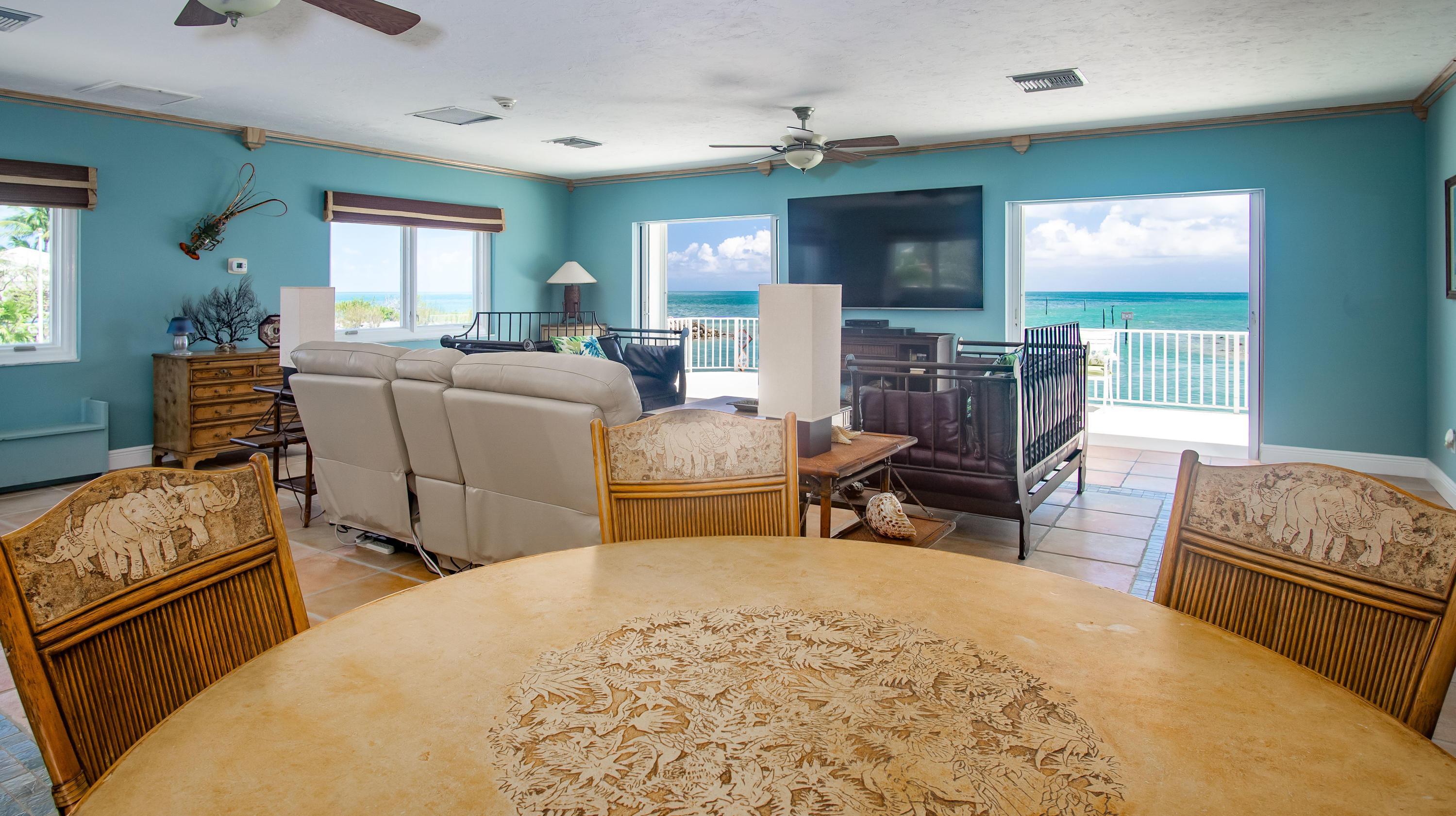 208 W Seaview Circle Property Photo 18