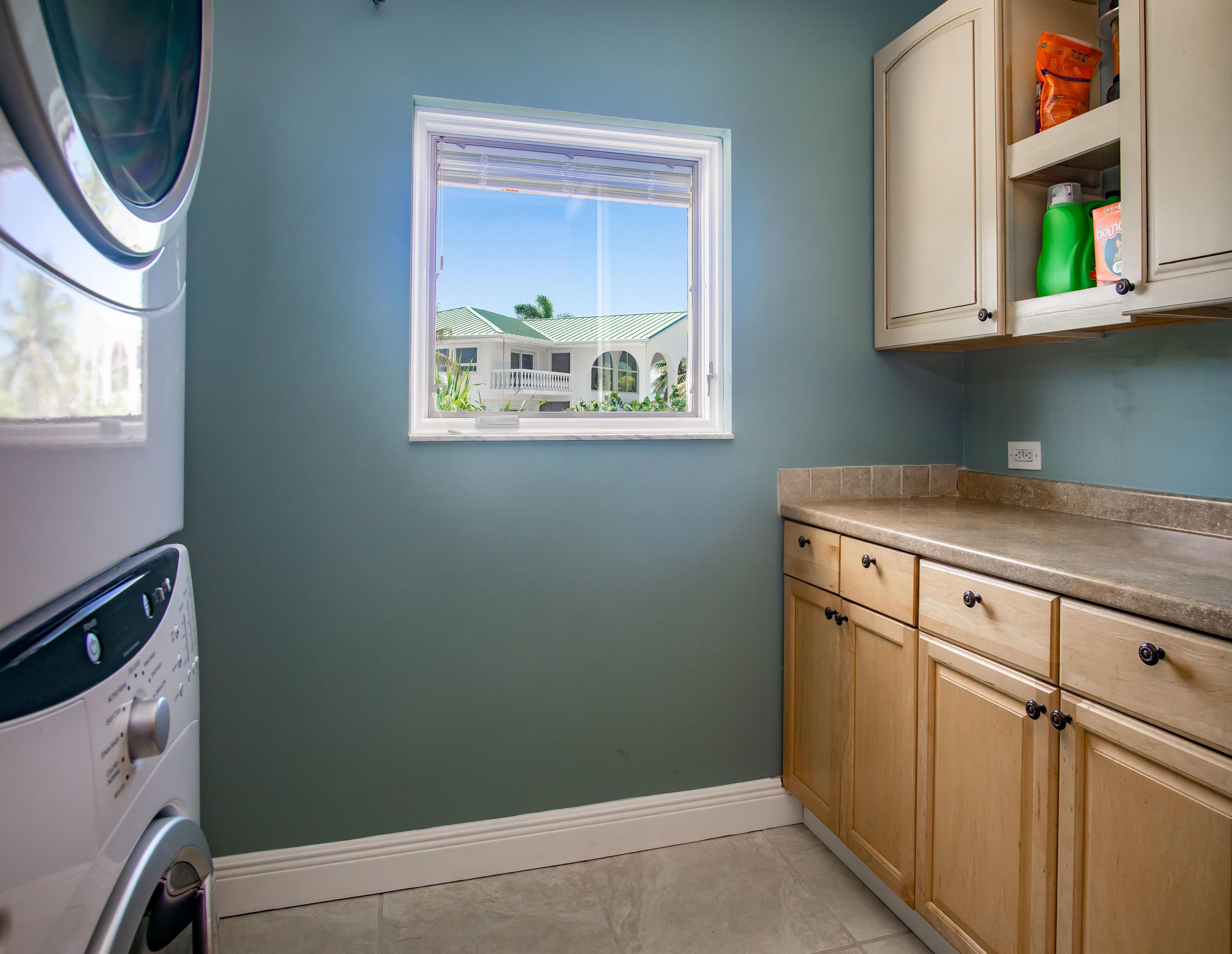 208 W Seaview Circle Property Photo 32