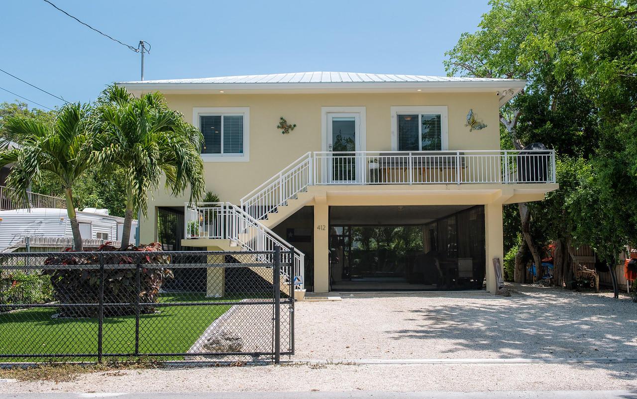 412 Coconut Drive Property Photo 1