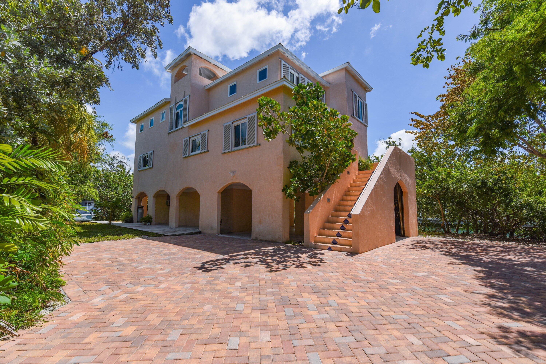 21095 Hamilton Avenue Property Photo 1