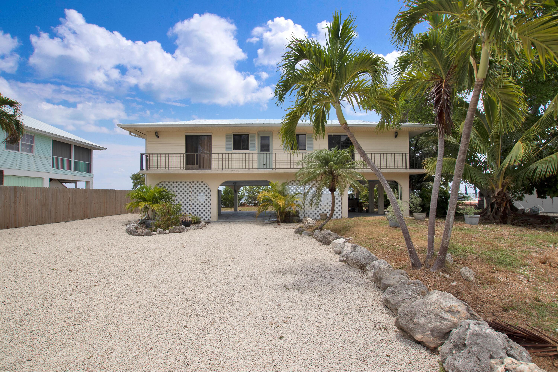687 Pine Lane Property Photo 1