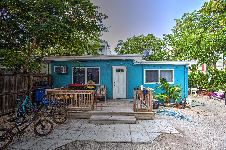 185 B 25th Street Property Photo 1