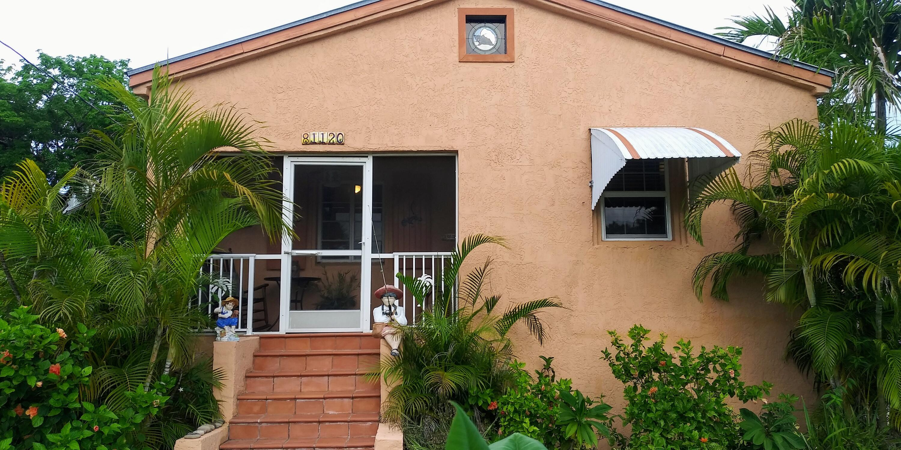 81120 Old Highway Property Photo 1