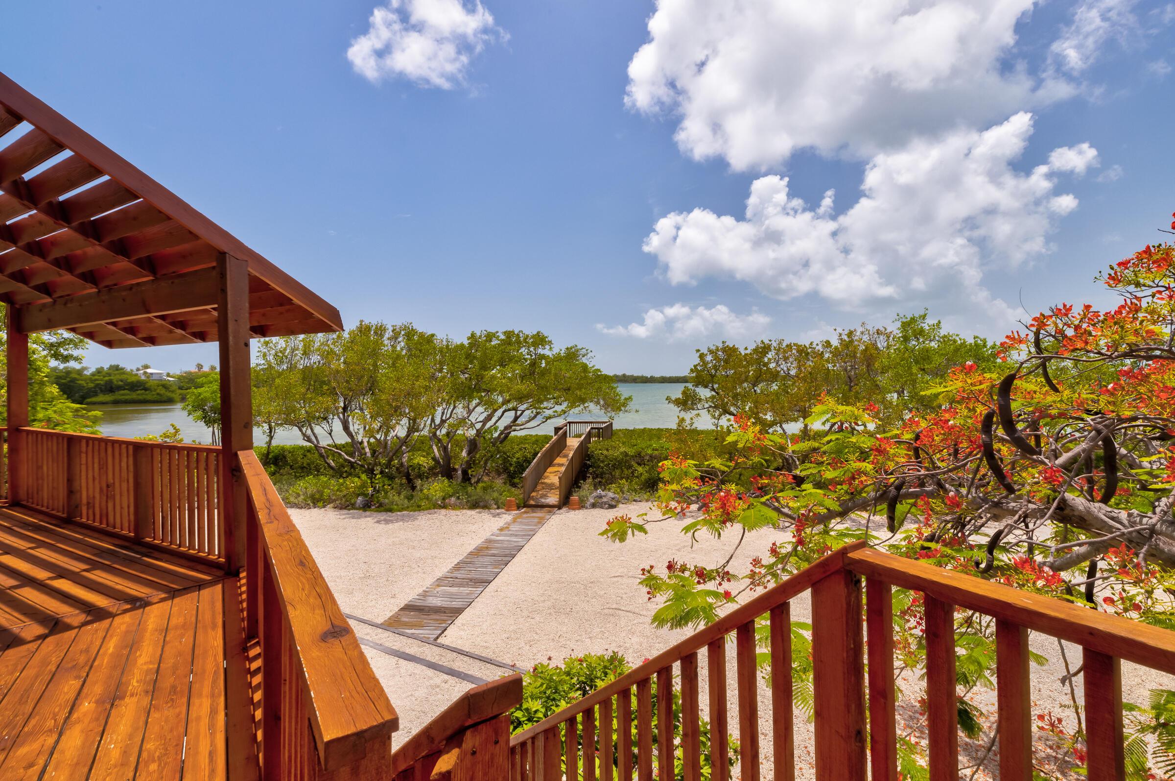 100 Pirates Cove Drive Property Photo 6