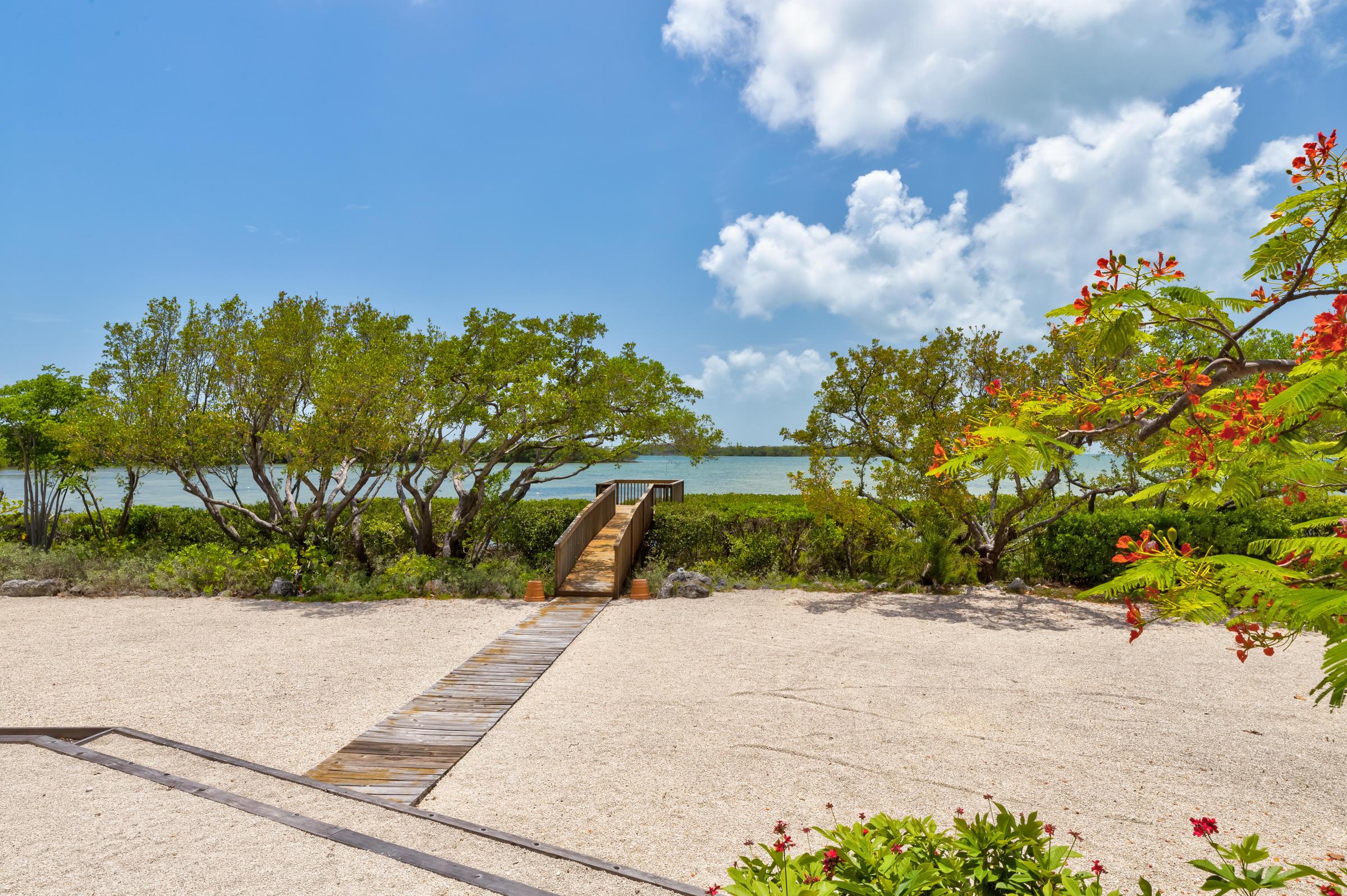 100 Pirates Cove Drive Property Photo 39