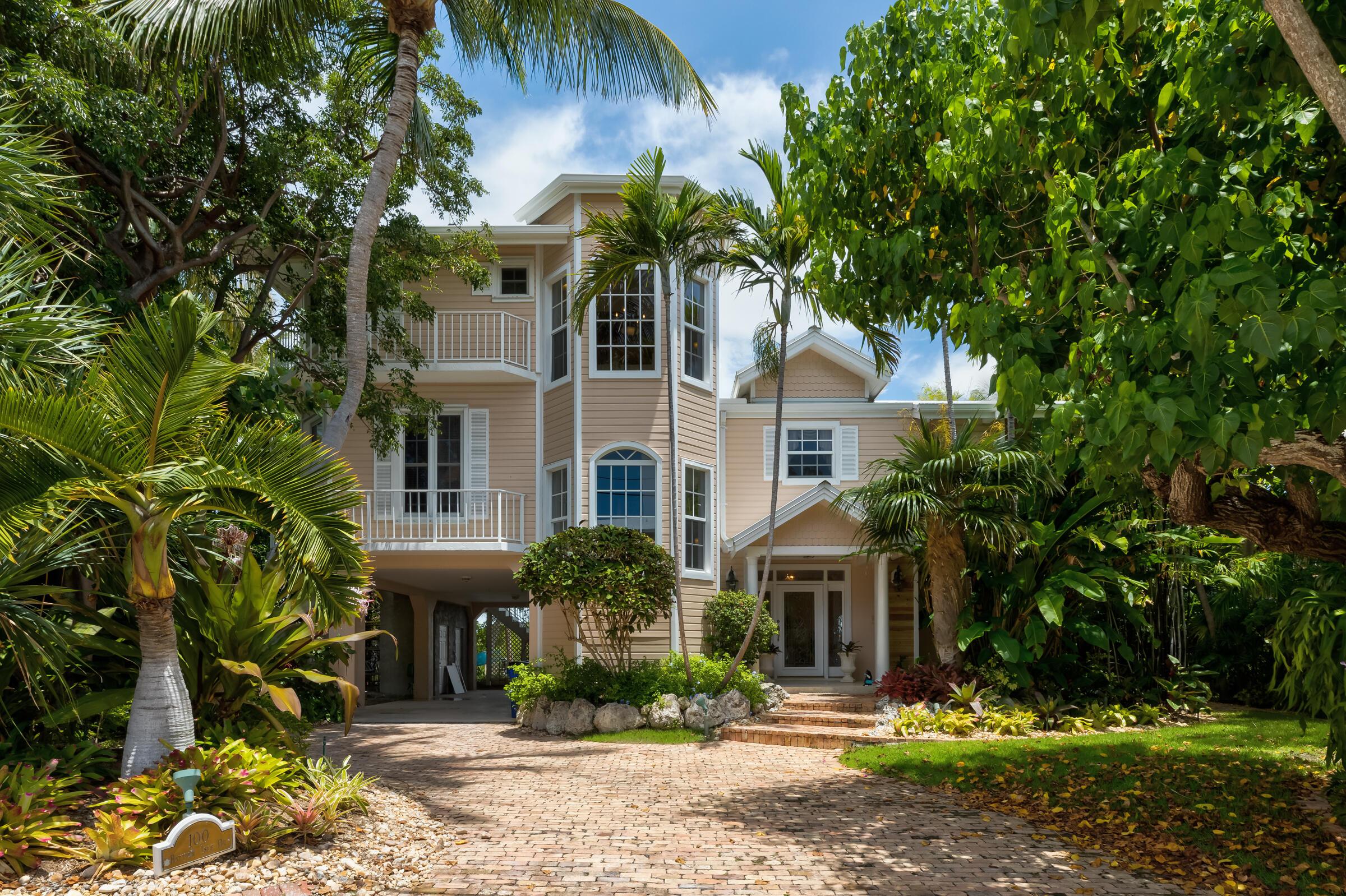 100 Bayview Isle Drive Property Photo 1