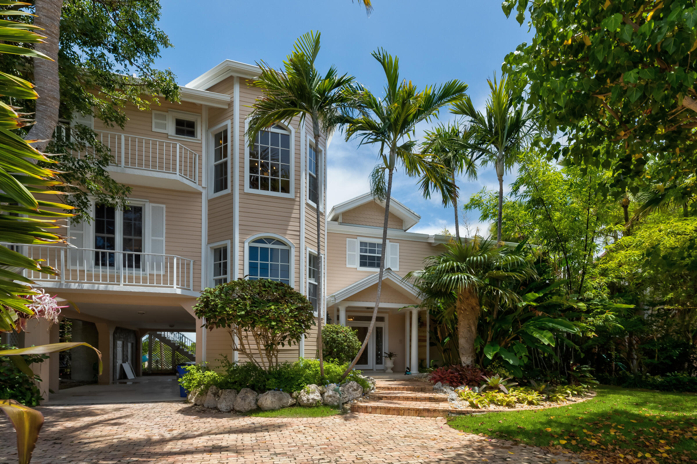 100 Bayview Isle Drive Property Photo 2