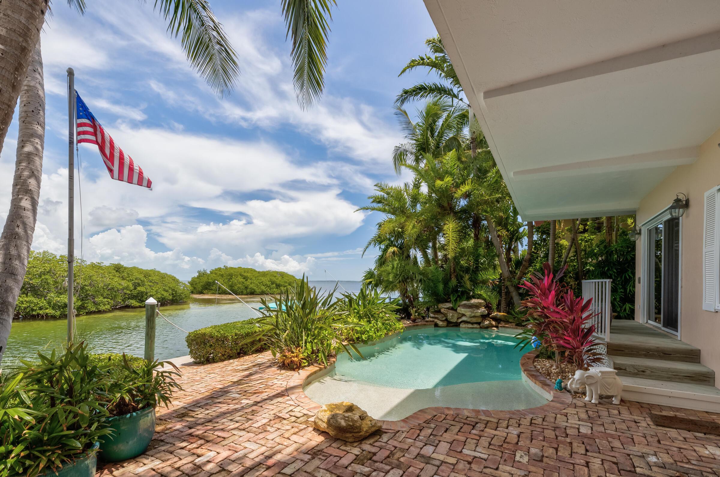 100 Bayview Isle Drive Property Photo 3