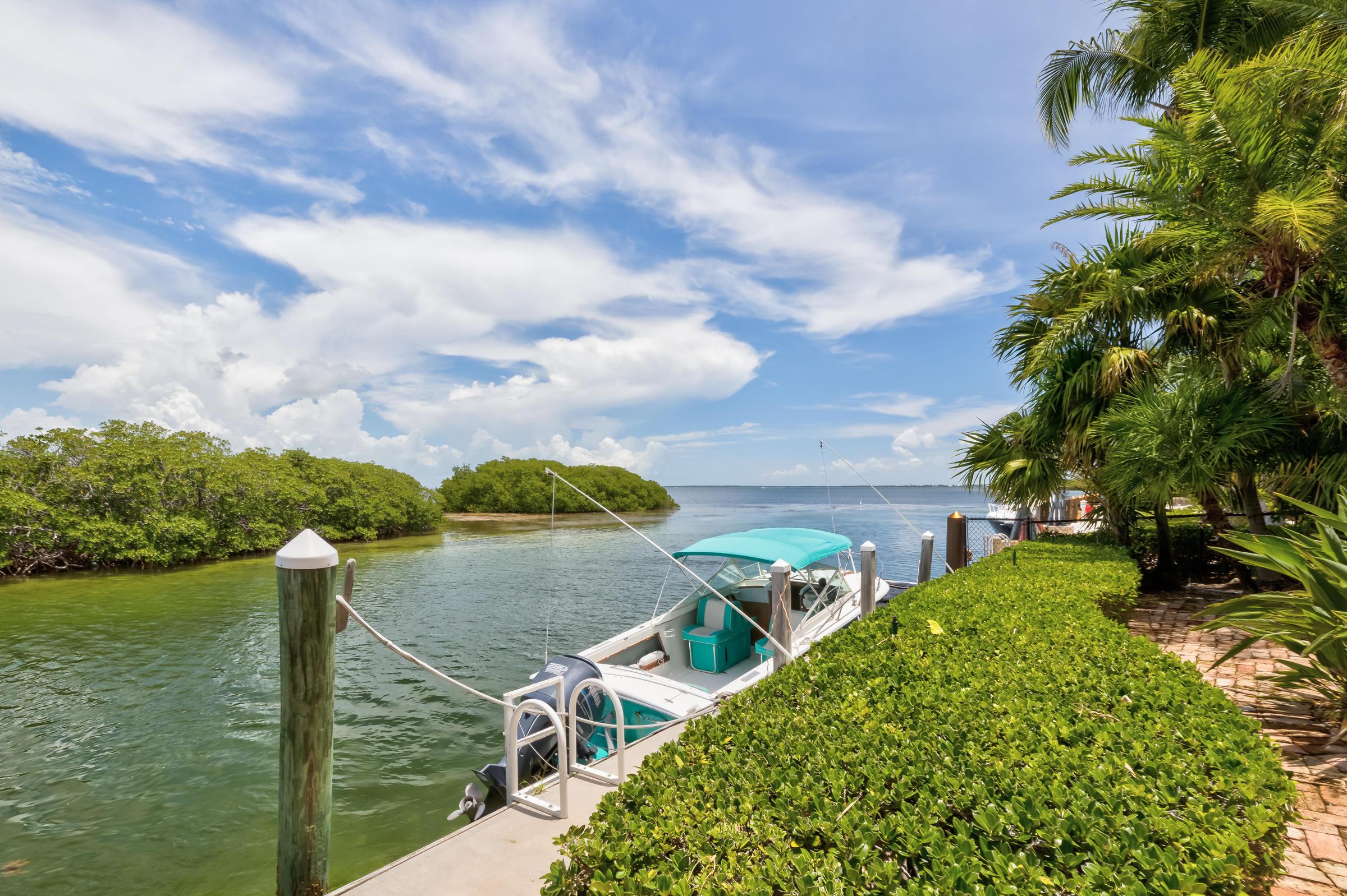 100 Bayview Isle Drive Property Photo 5