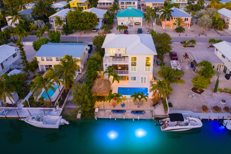 970 E Caribbean Drive Property Photo