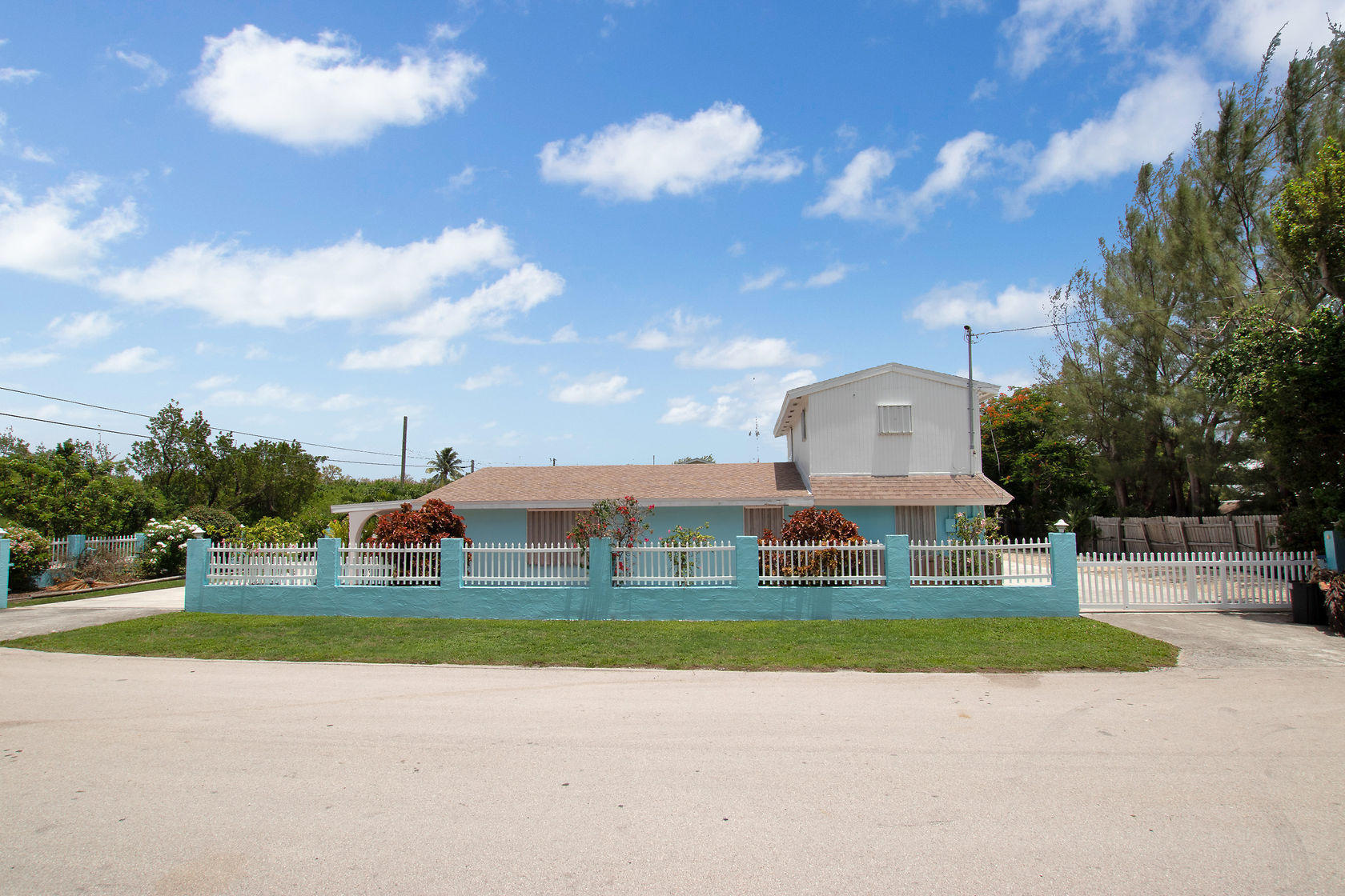 284 Orange Avenue Property Photo 1