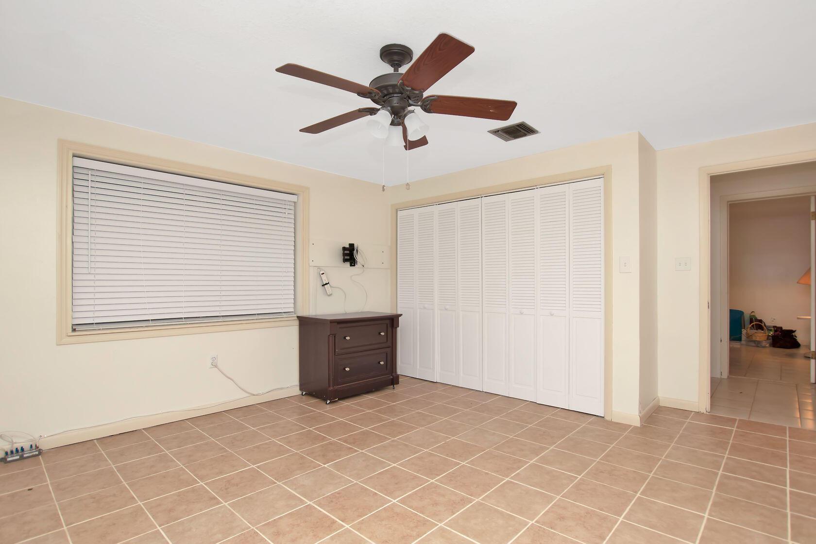 284 Orange Avenue Property Photo 6