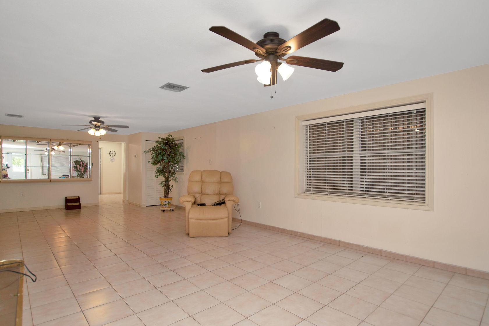 284 Orange Avenue Property Photo 10