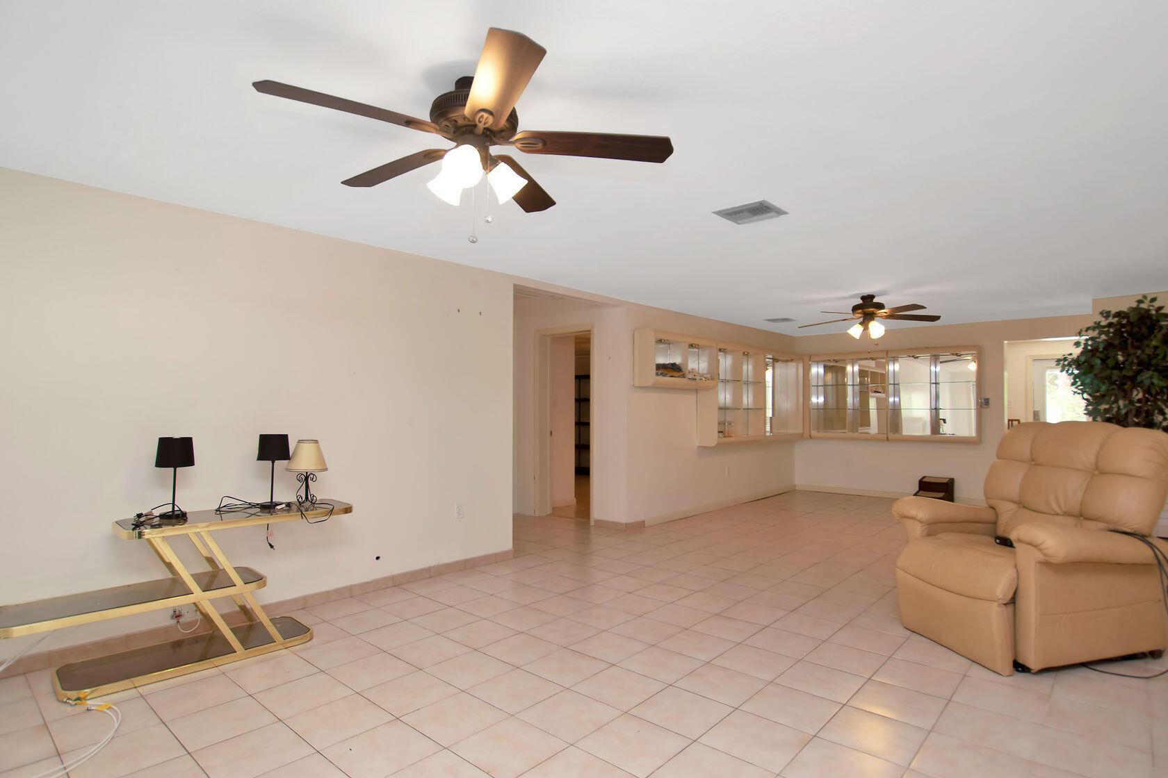 284 Orange Avenue Property Photo 19