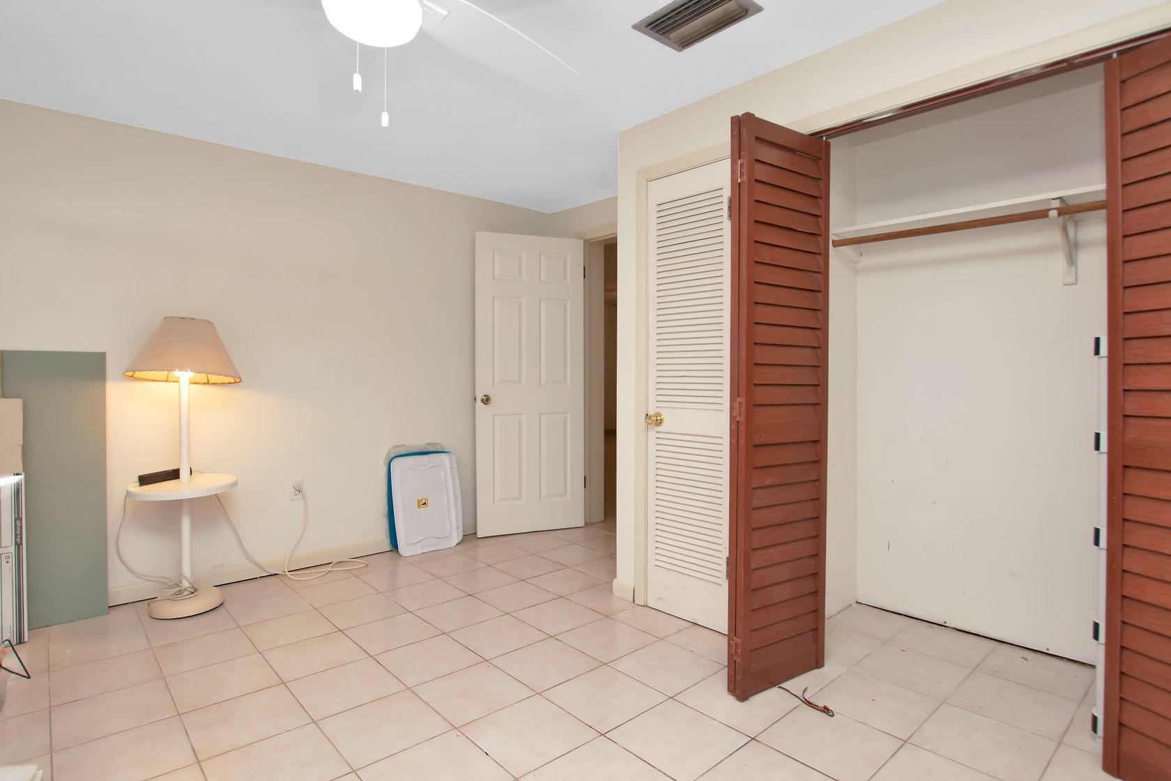 284 Orange Avenue Property Photo 23