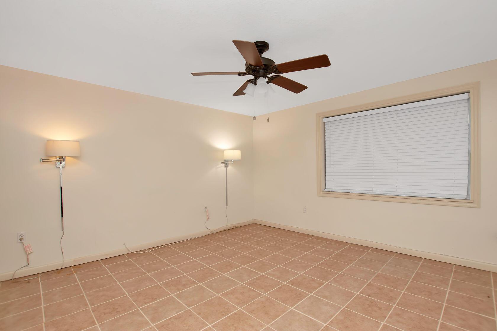 284 Orange Avenue Property Photo 38