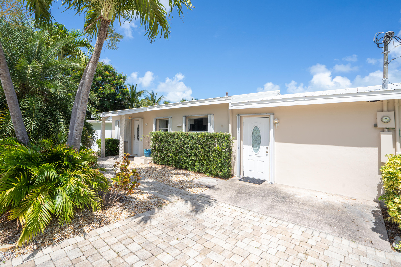 186 N Coconut Boulevard Property Photo 1
