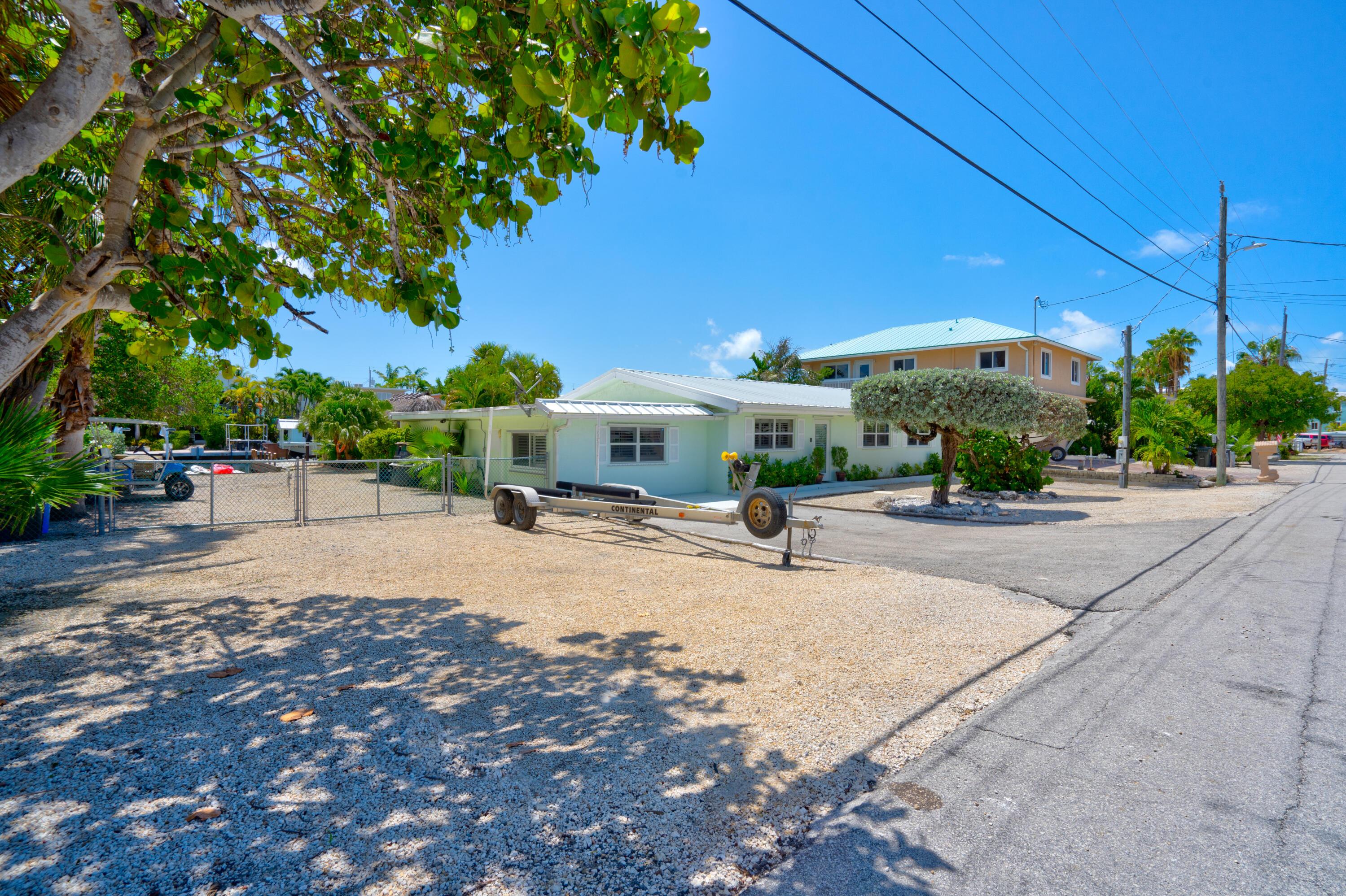 150 Azalea Street Property Photo 4
