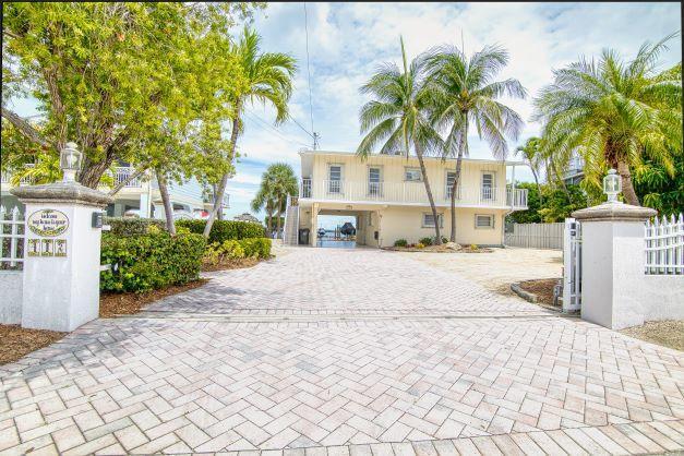 412 S Coconut Palm Boulevard Property Photo 1