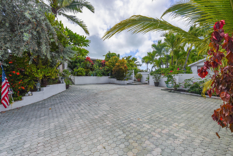 25348 2nd Street Property Photo 11