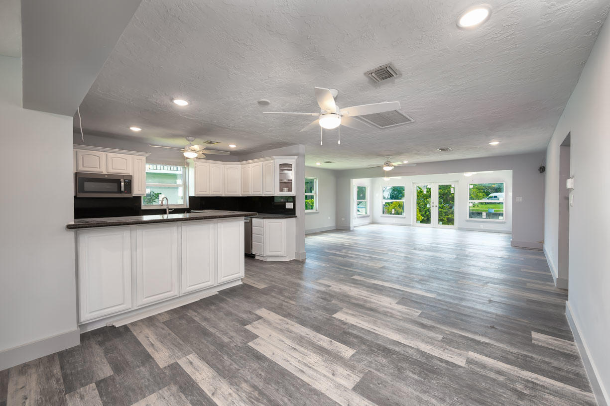 30752 Palm Drive Property Photo 1