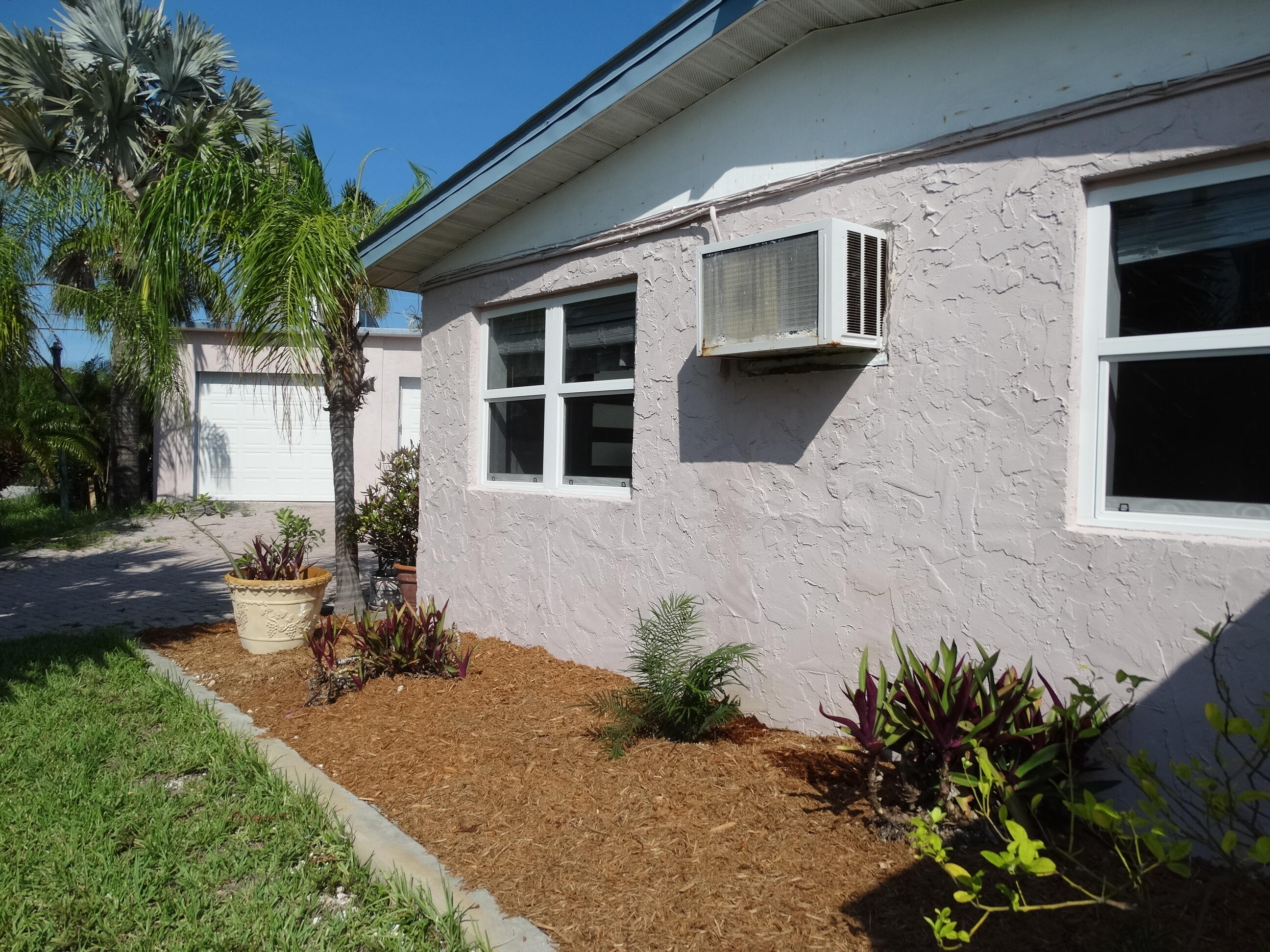52 Beach Drive Property Photo 5