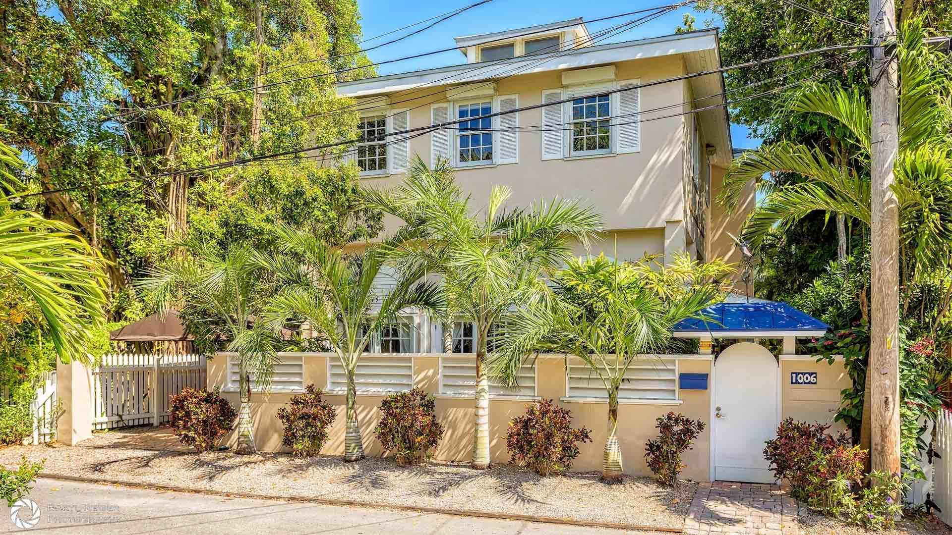 1006 Seminary Street Property Photo 1