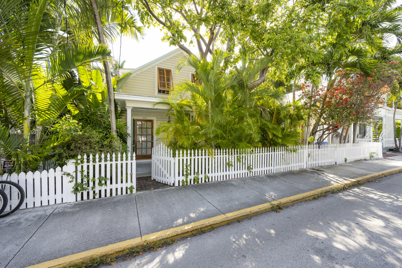 827 Elizabeth Street Property Photo 1