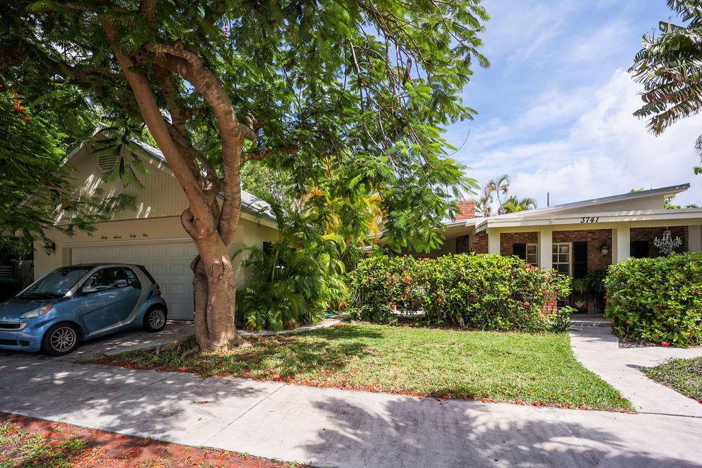 3741 Eagle Avenue Property Photo