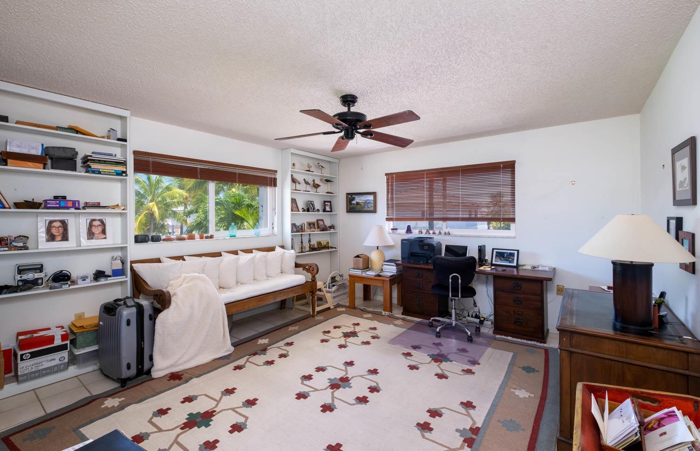 107 W Plaza Del Sol Property Photo 14