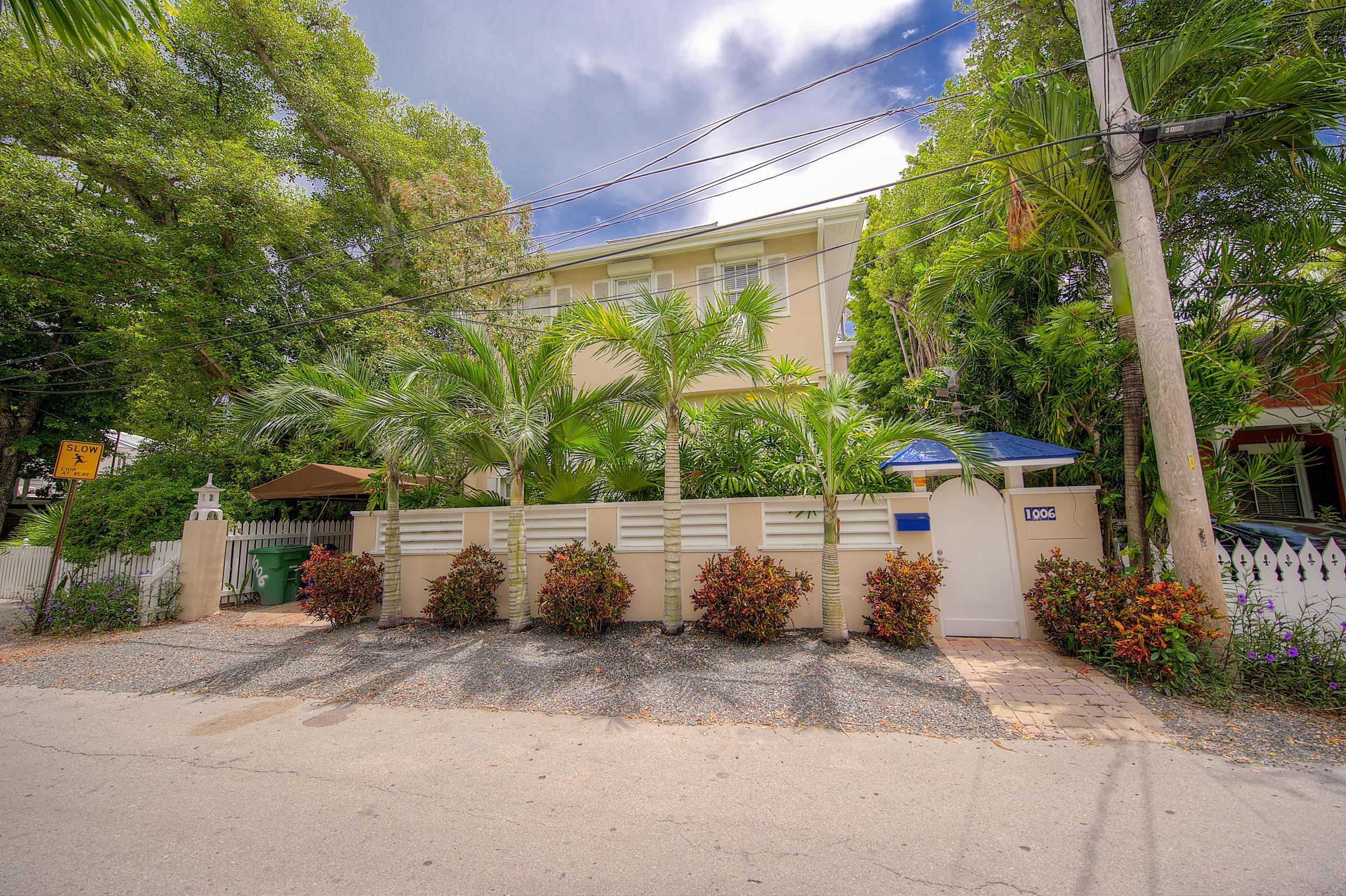 1006 Seminary Street Property Photo
