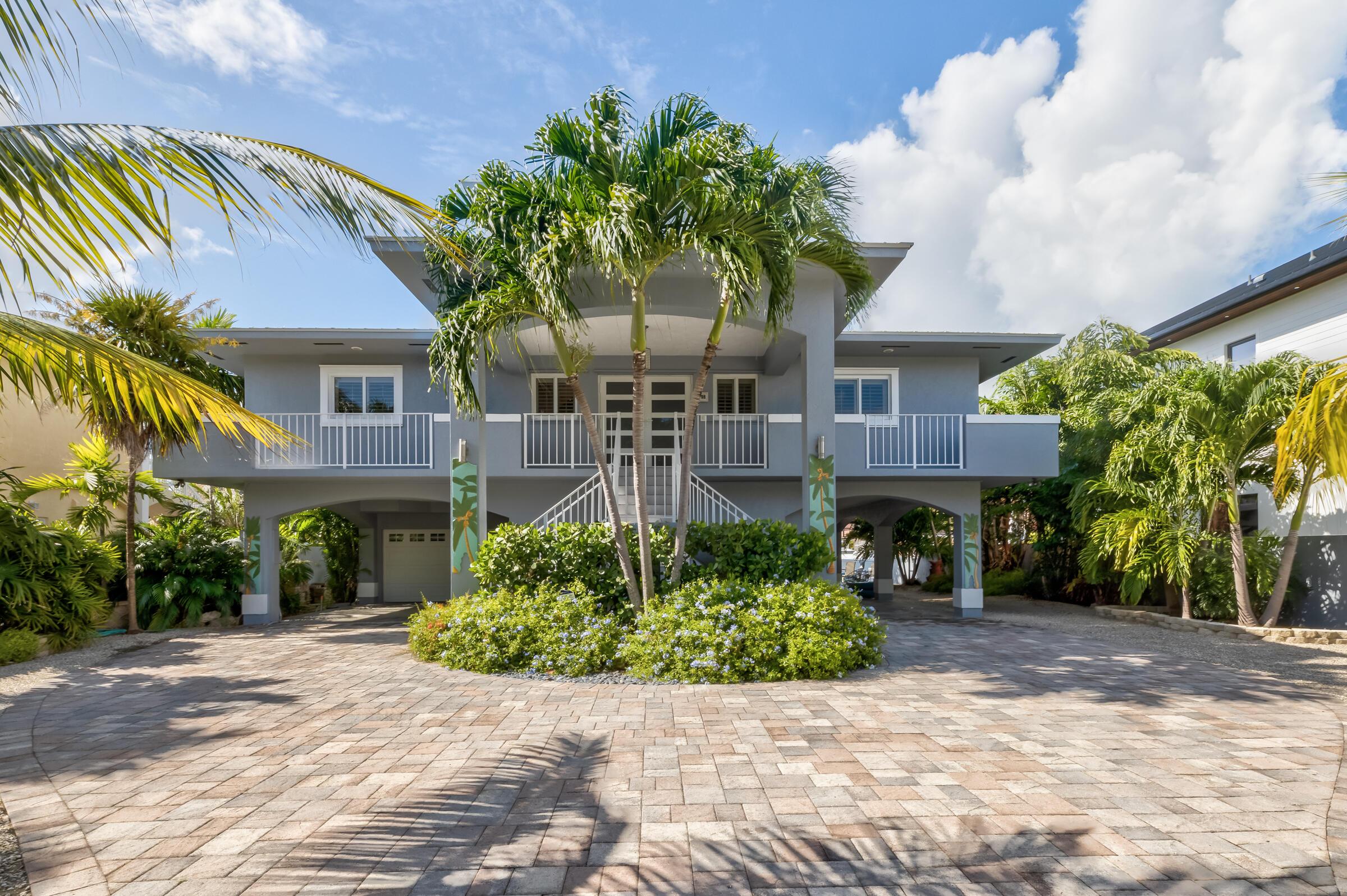 374 Bahia Avenue Property Photo 1